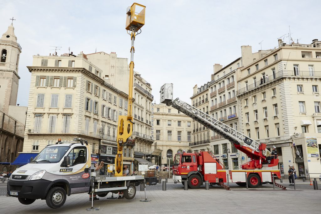 Marseilles Cherry Picker